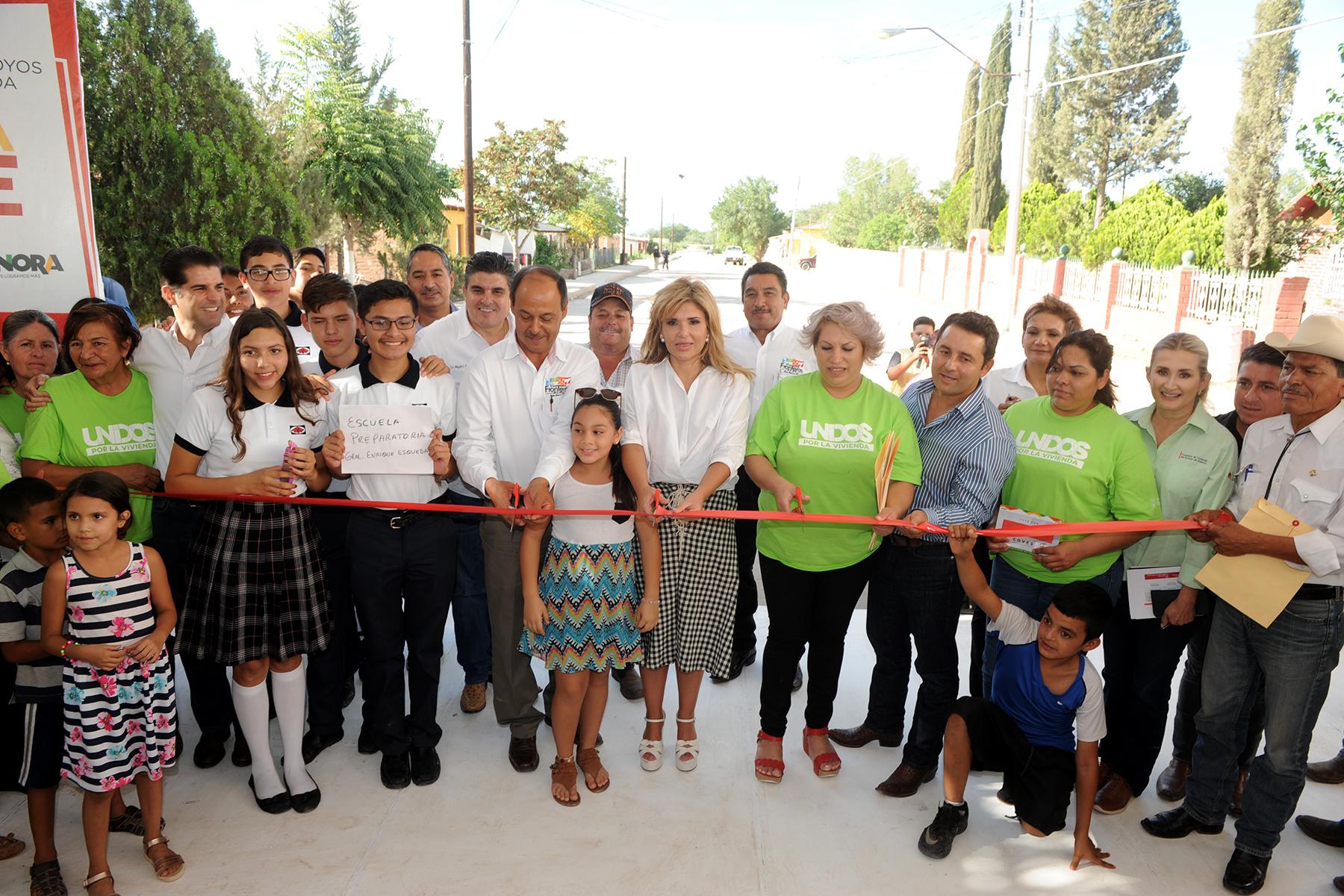 GOBERNADORA CLAUDIA : Cumple con apoyos en Nacozari, Santa Cruz y Esqueda